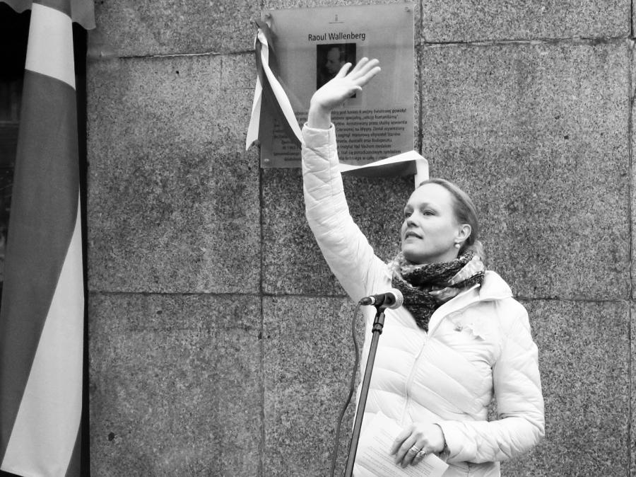 Cecillia Åhlberg podczas otwarcia ulicy imienia Raoula Wallenberga w Warszawie /fot. CHIDUSZ 2016