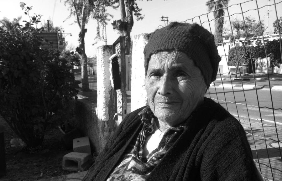 Shoshana Yihaya Tawelli straciła dwóch synów urodzonych w 1951 i 1952 roku. Obaj rzekomo umarli tuż po porodzie, Shoshana nie zdążyła im nawet nadać imion. Urodziła jeszcze córkę. Wciąż wierzy, że uda jej się ich odnaleźć. /fot. edut-amram.org