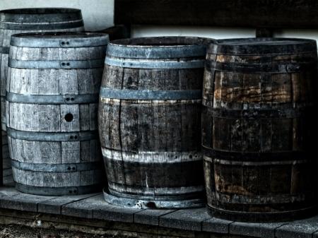 CHIDUSZ-WINE-WINO-KIDDUSH-DRINKING-IN-PURIM-PICIE-W-PURIM
