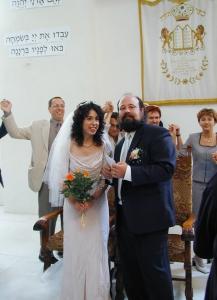 wedding-of-ellen-friendland-and-curt-fissel-in-the-white-stork-synagogue-wroclaw-poland-ślub-żydowski-jewish-wedding-synagoga-pod-białym-bocianem-חידוש-chidusz-hidush-04