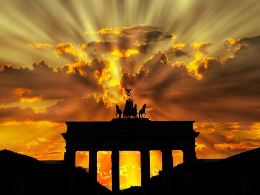 CHIDUSZ-BRANDENBURGER-TOR-BRAMA-BRANDENBURSKA-BERLIN-IZRAELCZYCY