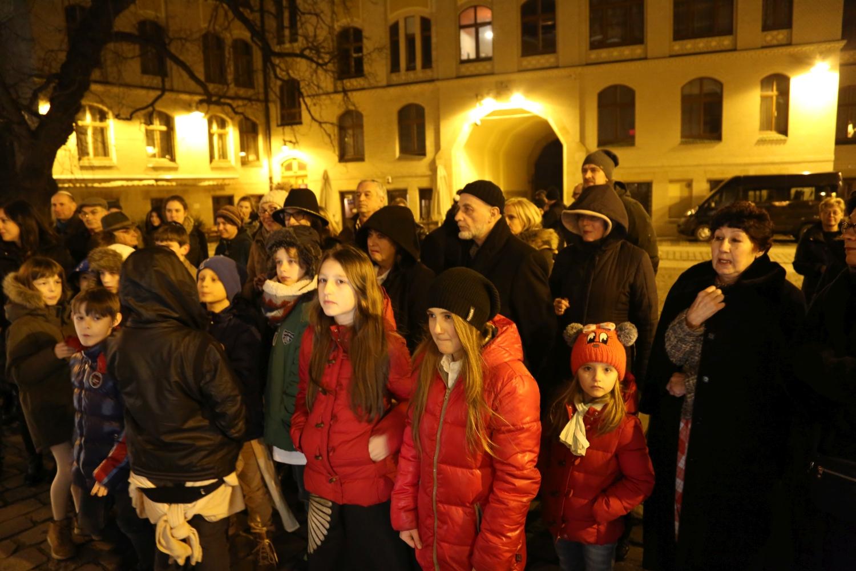 chidusz-com-chanukkah-hanukkah-chanuka-wroclaw-jewish-life-in-poland-festival-of-lights-schudrich-herberger-gleichgewicht-bente-kahan-white-strok-synagogue-synagoga-pod-białym-bocianem-etz-chaim (14)