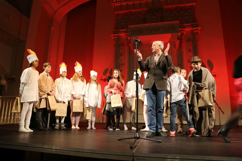 chidusz-com-chanukkah-hanukkah-chanuka-wroclaw-jewish-life-in-poland-festival-of-lights-schudrich-herberger-gleichgewicht-bente-kahan-white-strok-synagogue-synagoga-pod-białym-bocianem-etz-chaim (42)