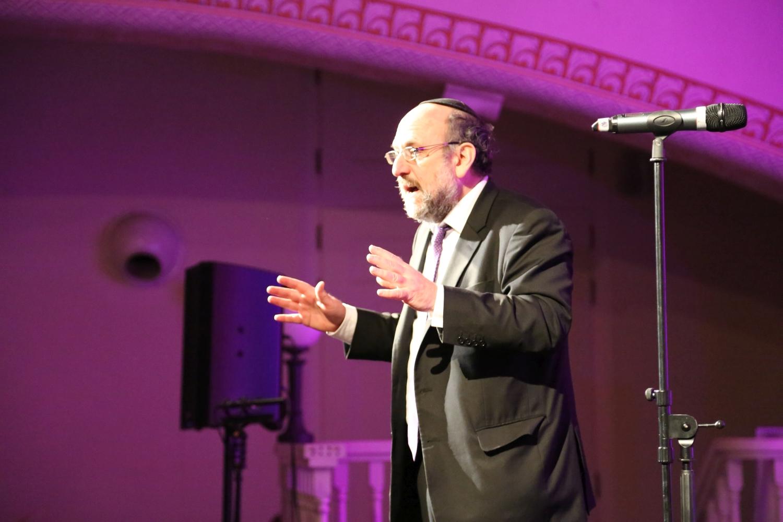 chidusz-com-chanukkah-hanukkah-chanuka-wroclaw-jewish-life-in-poland-festival-of-lights-schudrich-herberger-gleichgewicht-bente-kahan-white-strok-synagogue-synagoga-pod-białym-bocianem-etz-chaim (46)
