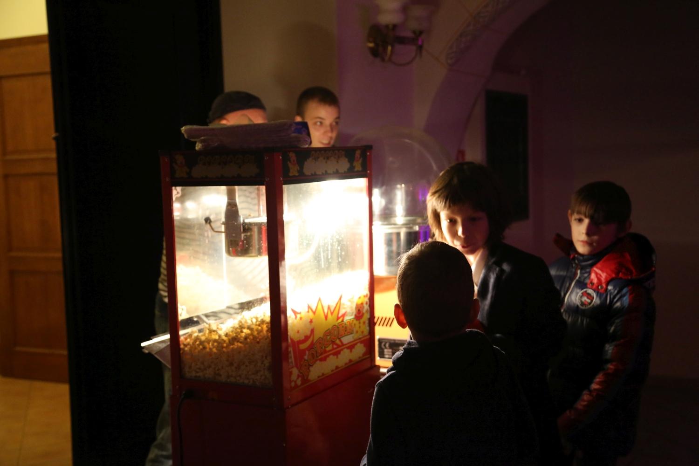 chidusz-com-chanukkah-hanukkah-chanuka-wroclaw-jewish-life-in-poland-festival-of-lights-schudrich-herberger-gleichgewicht-bente-kahan-white-strok-synagogue-synagoga-pod-białym-bocianem-etz-chaim (58)
