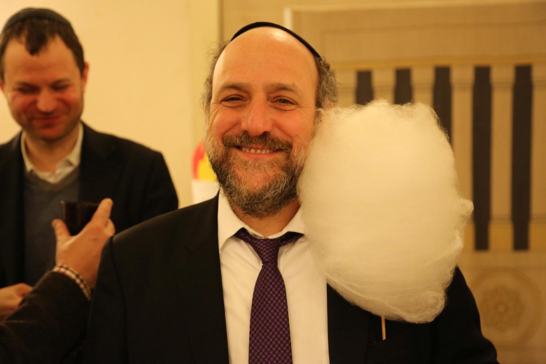 chidusz-com-chanukkah-hanukkah-chanuka-wroclaw-jewish-life-in-poland-festival-of-lights-schudrich-herberger-gleichgewicht-bente-kahan-white-strok-synagogue-synagoga-pod-białym-bocianem-etz-chaim (64)