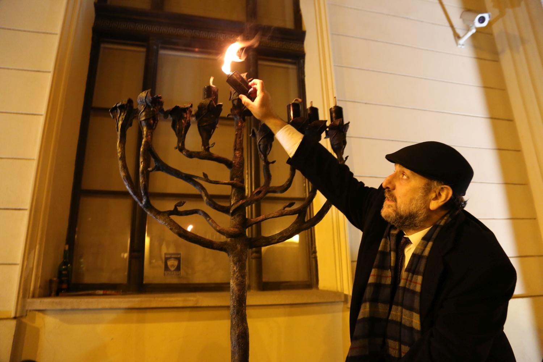 chidusz-com-chanukkah-hanukkah-chanuka-wroclaw-jewish-life-in-poland-festival-of-lights-schudrich-herberger-gleichgewicht-bente-kahan-white-strok-synagogue-synagoga-pod-białym-bocianem-etz-chaim (7)
