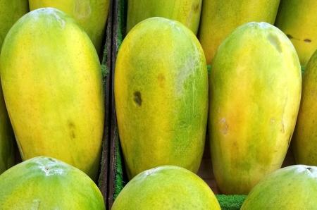 papaje-jagody-marchewka-buraki-brokuły-truskawki-jak-zdrowo-żyć-zdrowe-odżywianie-żywienie-dieta-owocowa-warzywa-antystarzeniowa-medycyna