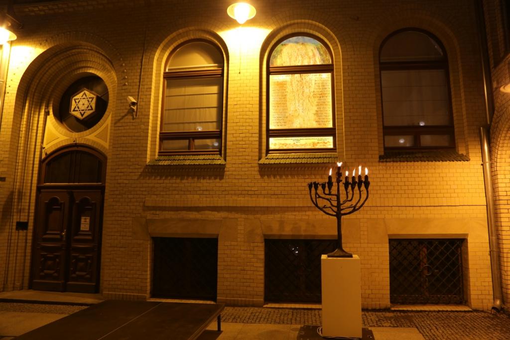 otwarcie-malej-synagogi-szulu-we-wroclawiu-remont-malej-synagogi-synagoga-pod-bialym-bocianem-renowacja-gmina-zydowska-wroclaw-zycie-zydowskie-w-polsce-synagoga-26