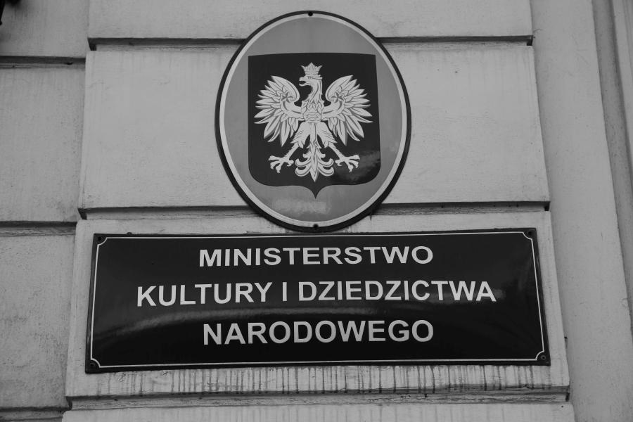 ministerstwo-kultury-i-dziedzictwa-narodowego-piotr-glinski-dotacje