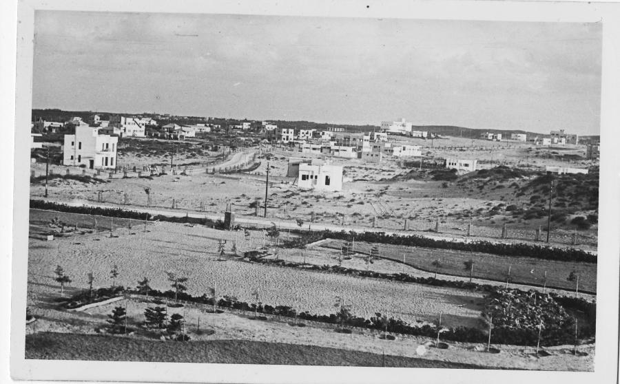 Netanja na pocztówce z początku lat 30. XX wieku