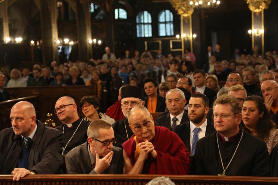 dalajlama-kosciol-pokoju-w-swidnicy-polska-wroclaw-apel-o-pokoj-interfaith-dialogue-dialog-miedzyreligijny-judaizm-rabin-zydzi-islam-imam-biskup-11