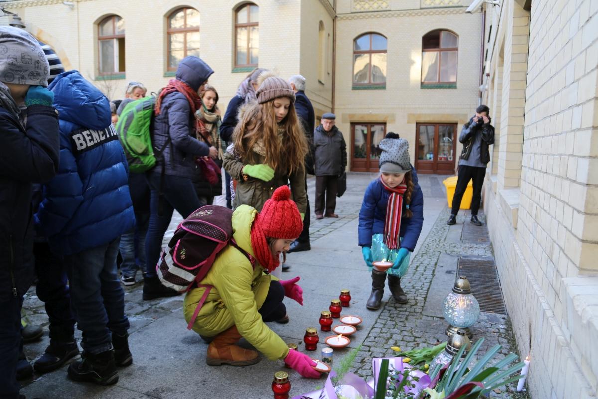 holocaust-memorial-day-72-2017-white-stork-synagogue-wroclaw-poland-jewish-life-polish-jewish-community-synagoga-pod-bialym-bocianem-03
