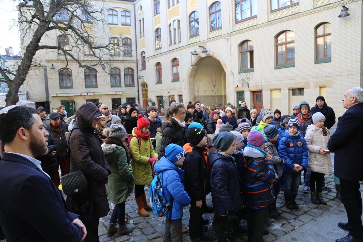 holocaust-memorial-day-72-2017-white-stork-synagogue-wroclaw-poland-jewish-life-polish-jewish-community-synagoga-pod-bialym-bocianem-09
