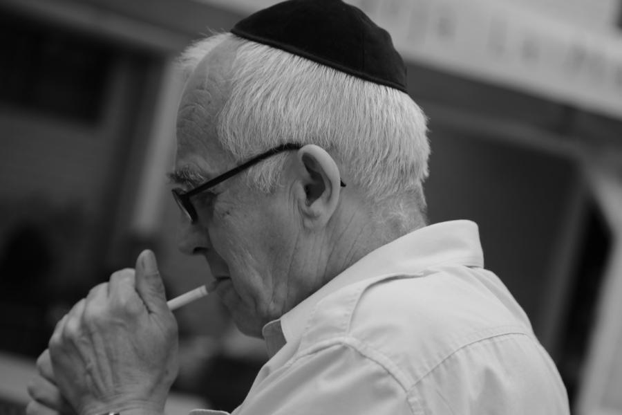 pan-rysiu-tozsamosc-zydowska-polish-jewish-identity-polscy-zydzi-polscy-white-stork-synagogue-cigarette-synagoga-pod-bialym-bocianem-wroclaw-poland-jews-02