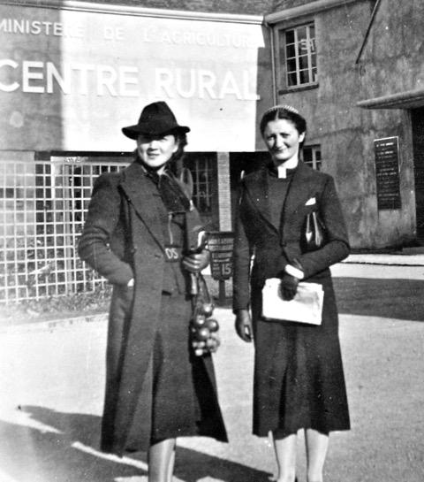 Mama Haliny (po lewej) w Paryżu, 1937 rok / Fot. Archiwum rodzinne