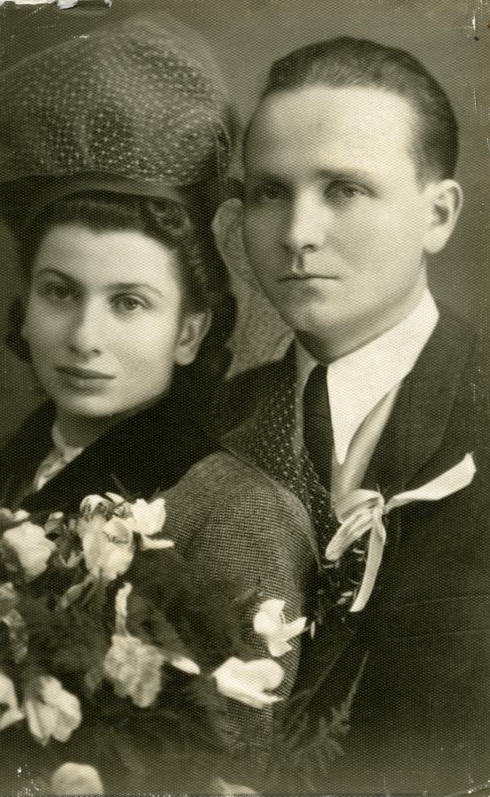Ślub Joanny i Mariana. Wieliczka, grudzień 1945 r. /fot. Archiwum rodzinne