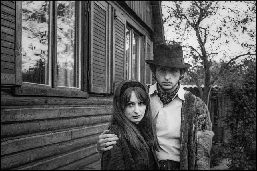 Z ówczesną dziewczyną (później żoną) w Pradze, 1968 rok /fot. archiwum własne JK